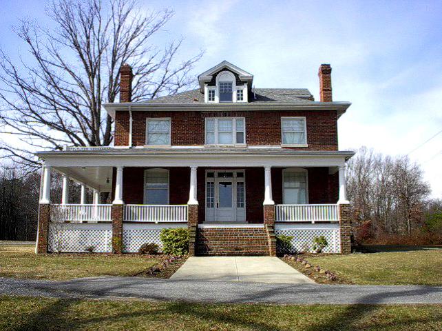 Goodloe Alumni House